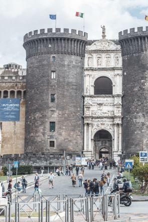 Estate a Napoli 2020: tutti gli spettacoli teatrali gratuiti al Maschio Angioino