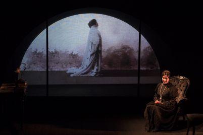 Matilde-Serao-e-il-Ventre-di-Napoli-in-scena-al-Teatro-Stabile-di-Napoli-.jpg