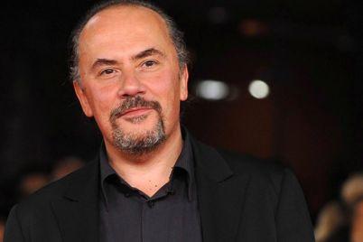 Maurizio-Casagrande-in-scena-al-Teatro-Delle-Palme-di-Napoli.jpg