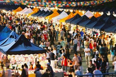 Mercato-Europeo-a-Piazza-Dante-street-Food-Europeo-in-città.jpg