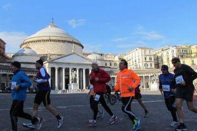 Mezza-Maratona-di-Napoli-2017-oltre-4000-atleti-in-gara-per-il-centro-storico.jpg