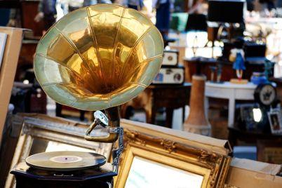 Mostra-mercato-dell'artigianato-nel-centro-storico-di-Napoli.jpg