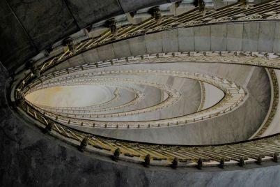 Napoli-Velata-di-Ozpetek-la-scala-di-palazzo-mannajuolo.jpg