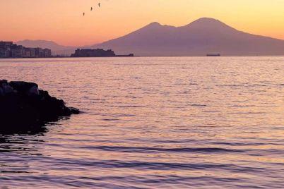 Napoli-al-tramonto-@come__ungirasole.jpg