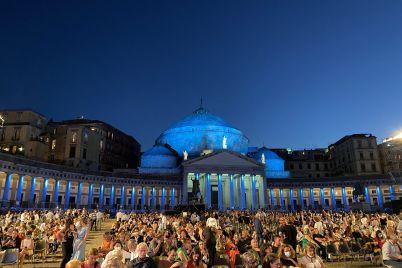 Napoli-da-Vivere-Teatro-San-Carlo-Piazza-Plebiscito.jpg