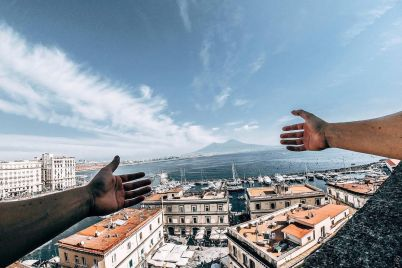 Napoli-mani.jpeg