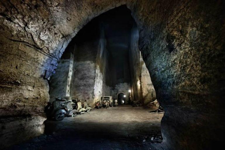 Noi-Vivi-spettacolo-storico-itinerante-alla-Galleria-Borbonica-di-Napoli1.jpg