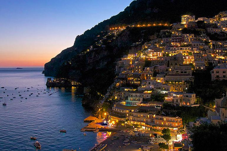 Notte-bianca-degli-Innamorati-2016-sulla-Costiera-Amalfitana.jpg
