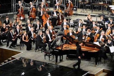 Orchestra-Filarmonica-di-San-Pietroburgo-al-Teatro-San-Carlo.jpg