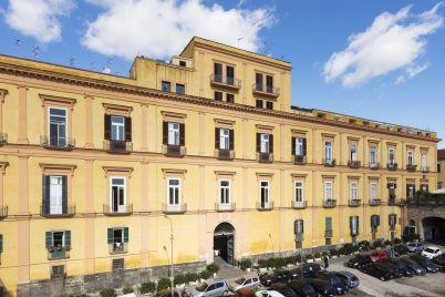 Palazzo-Spinelli-Tarsia.jpg
