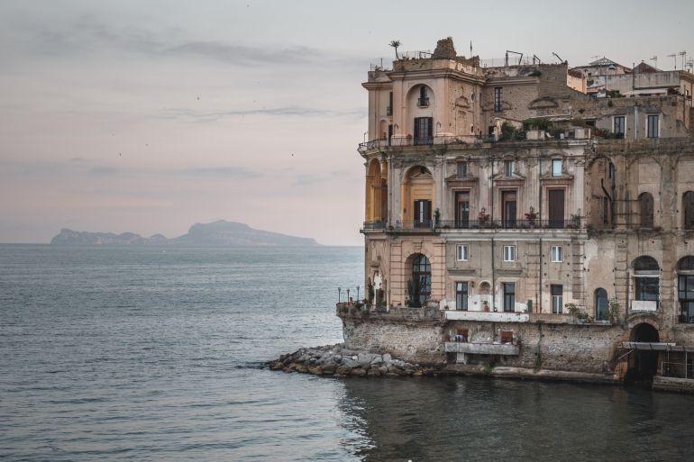 Palazzo-donnanna.jpg