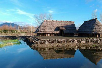 Parco-Archeologico-Naturalistico-di-Longola.jpg