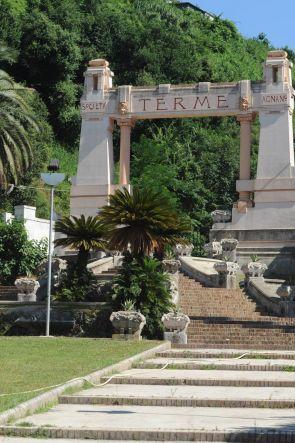 Parco del Benessere delle Terme di Agnano riapre con 7 piscine