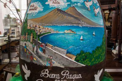 Pasqua-2018-a-Napoli-l'Uovo-gigante-di-Gay-Odin-dedicato-alla-Speranza.jpg