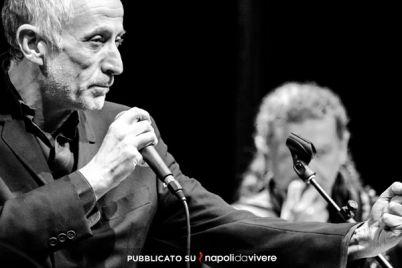 Peppe-Servillo-in-concerto-gratuito-sul-lungomare.jpg