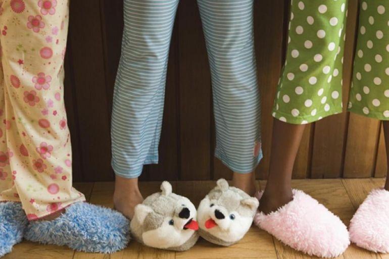 Risultati immagini per pigiama party