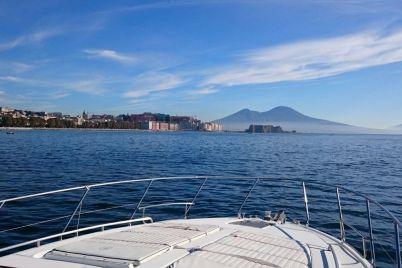 Porto-Aperto-a-Napoli-Giro-in-Nave-Gratis-e-Feste-Serali.jpg