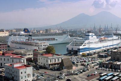 Porto-Aperto-a-Napoli-Visite-Gratis-via-mare-e-concerto-del-San-Carlo.jpg