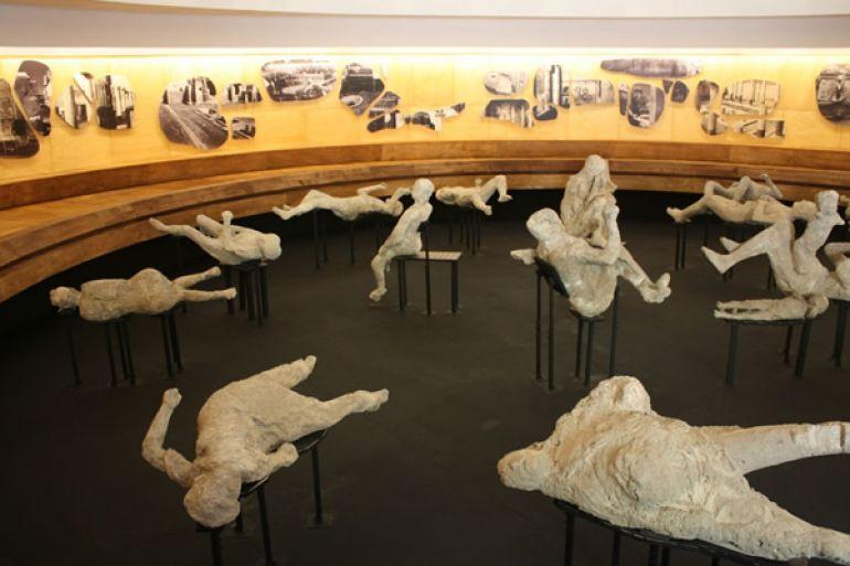 Prorogata-la-mostra-Rapiti-alla-morte-a-Pompei.jpg