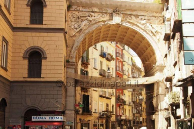 Restaurato-il-Ponte-di-via-Chiaia-a-Napoli-Scoprire-Napoli.jpg