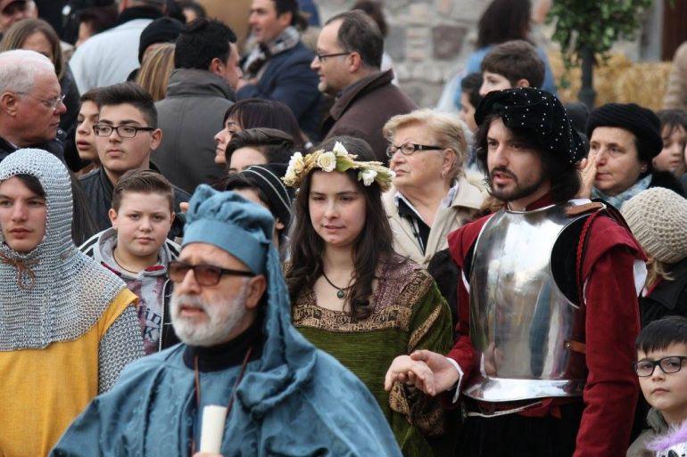 Rievocazione-storica-dellAssalto-al-Castello-in-costume-a-Puglianiello-BN.jpg