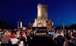 Spettacoli-notturni-negli-Antichi-Scavi-di-Velia-nel-Cilento.jpg