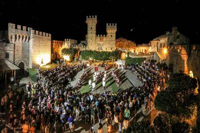 Spettacolo-Itinerante-Notturno-nel-Castello-Lancellotti-a-Lauro.jpg