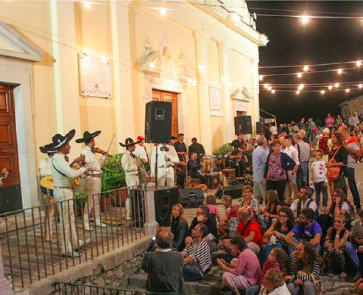 Sponz-Fest-2016-il-Festival-Itinerante-in-Irpinia-di-Vinicio-Capossela.jpg