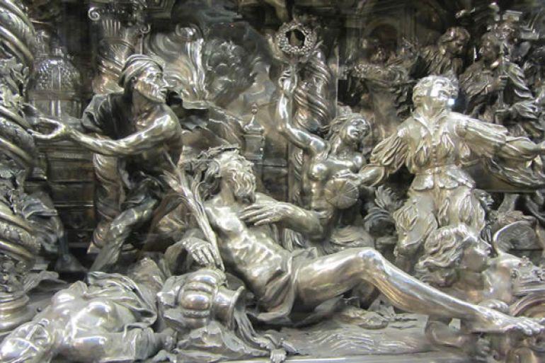 Storie-d'Argento-al-Museo-del-Tesoro-di-San-Gennaro.jpg