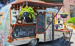 Street-Food-Parade-Truck-Edition-2018-a-Piazza-Garibaldi-a-Napoli-1.jpg