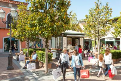 Summer-Program-2018-Serena-Rossi-a-La-Reggia-Designer-Outlet.jpg