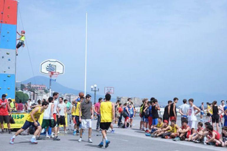 SummerBasket-2017-600-atleti-sul-lungomare-di-Napoli.jpg