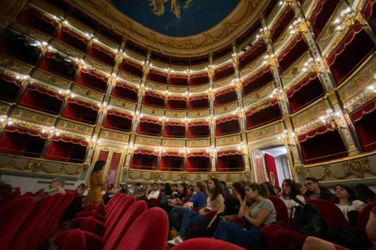 Teatro-dell'Opera-Giuseppe-Verdi-di-Salerno.jpg