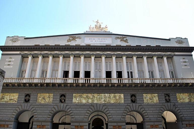 Teatro-di-San-Carlo-Napoli-facciata.jpg