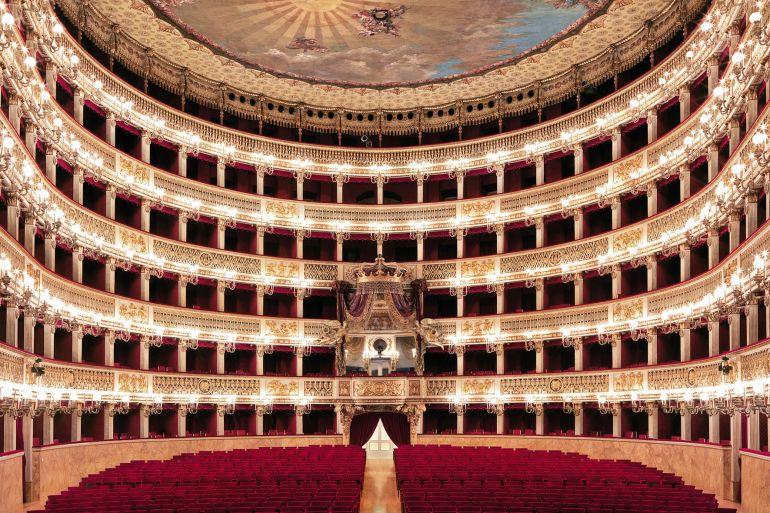 Teatro-san-carlo-Napoli.jpg