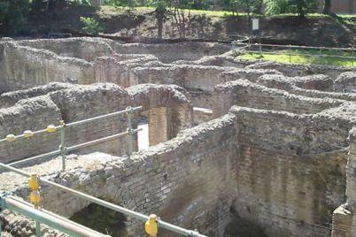 Terme-romane-di-Via-Terracina-a-Napoli.jpg