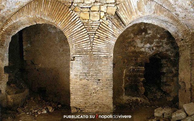 Terme-romane-sotto-l'archivio-del-Banco-di-Napoli-Scoprire-Napoli.jpg