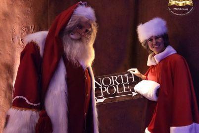 The-Magical-World-of-Christmas-e-il-Mercatino-di-Natale-nell'antico-borgo-di-Paduli-BN.jpg