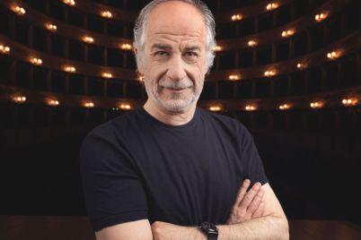 Toni-Servillo-legge-Napoli-al-Teatro-Trianon.jpg