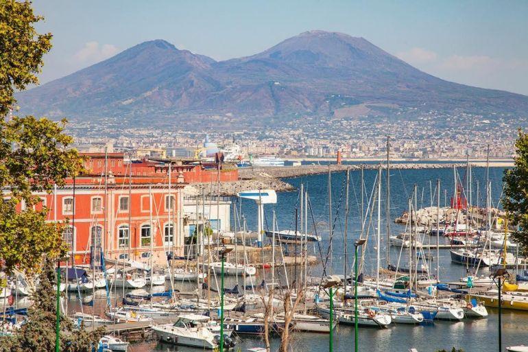Tour-sulla-Bocca-del-Vesuvio.jpg