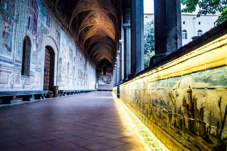 Una-Notte-Speciale-al-Chiostro-di-Santa-Chiara-a-Napoli.jpg