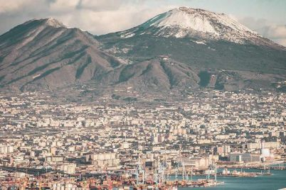 Vesuvio-innevato-Napoli.jpg
