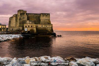 Villaggio-turistico-sul-lungomare-Caracciolo-con-eventi-e-punti-ristoro.jpg