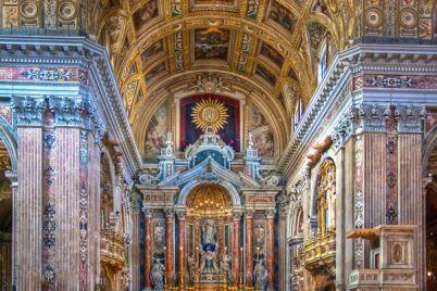 Visita-spettacolo-gratuita-alla-chiesa-del-Gesù-Nuovo-di-Napoli.jpg