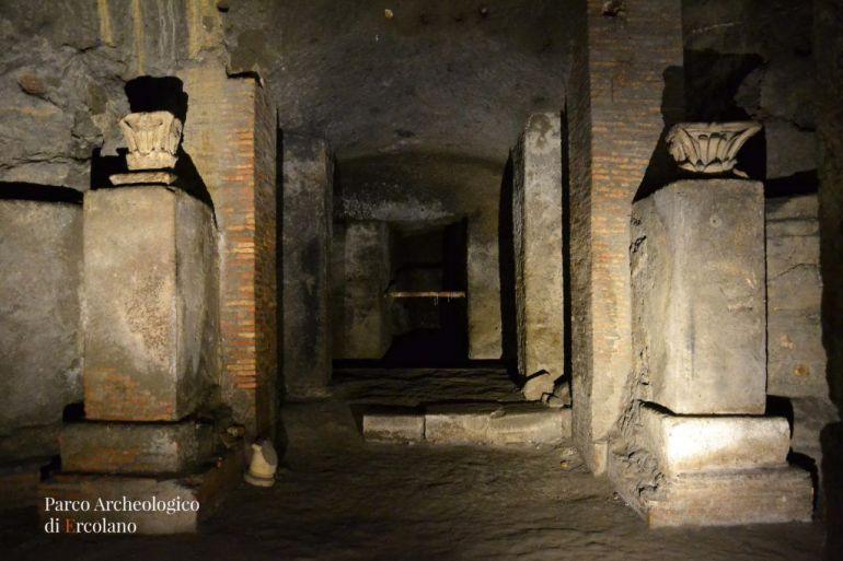 Visite-Straordinarie-all'antico-Teatro-di-Ercolano-riaperto-dopo-20-anni.jpg