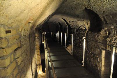 Visite-gratuite-al-percorso-sotterraneo-del-Rione-Terra-di-Pozzuoli.jpg