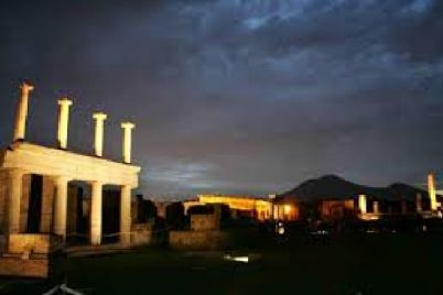 Visite-guidate-notturne-a-Pompei.jpg