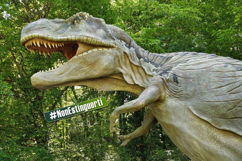 Visite-notturne-con-i-dinosauri-all'Oasi-degli-Astroni-a-Napoli.jpg