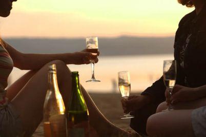 Wine-Fest-in-riva-al-mare-al-Nabilah-di-Napoli.jpg
