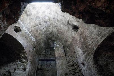 acquedotto-sotto-la-sanità-di-napoli-scoprire-napoli.jpg
